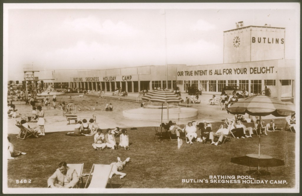 Outdoor swimming pool at Skegness, 1936