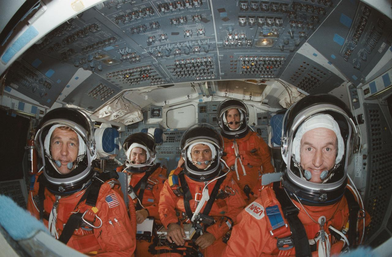 NASA Image & Video Library   STS-34 crew poses on flight deck of JSC's crew compartment trainer (CCT)    All credits to NASA.gov